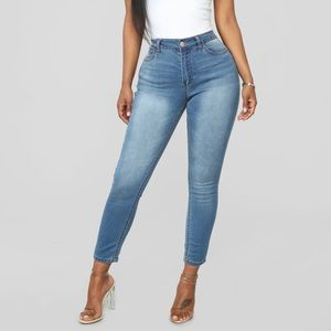 FashionNova Nothing Compares to You Crop Jeans
